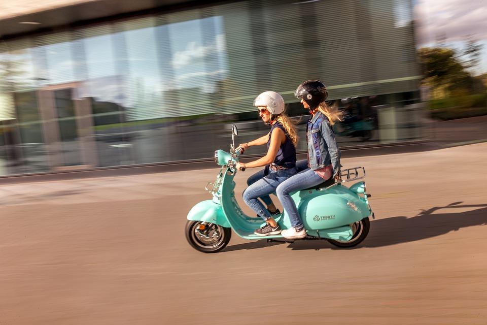 Dal Comune di Milano incentivi fino a 1.800 euro per scooter