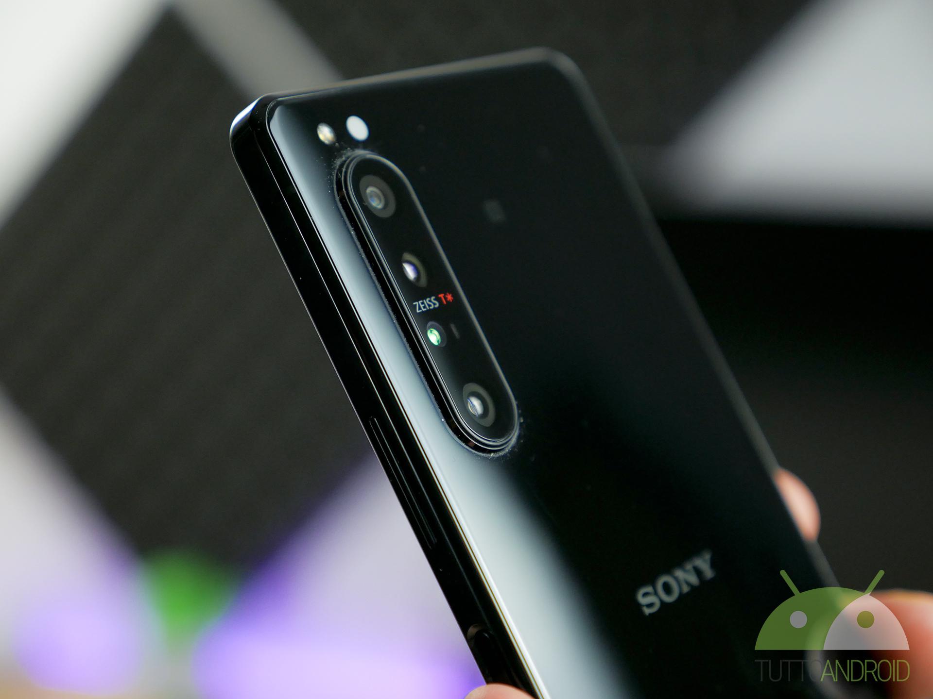Sony: il Coronavirus ha colpito soprattutto gli smartphone di fascia alta