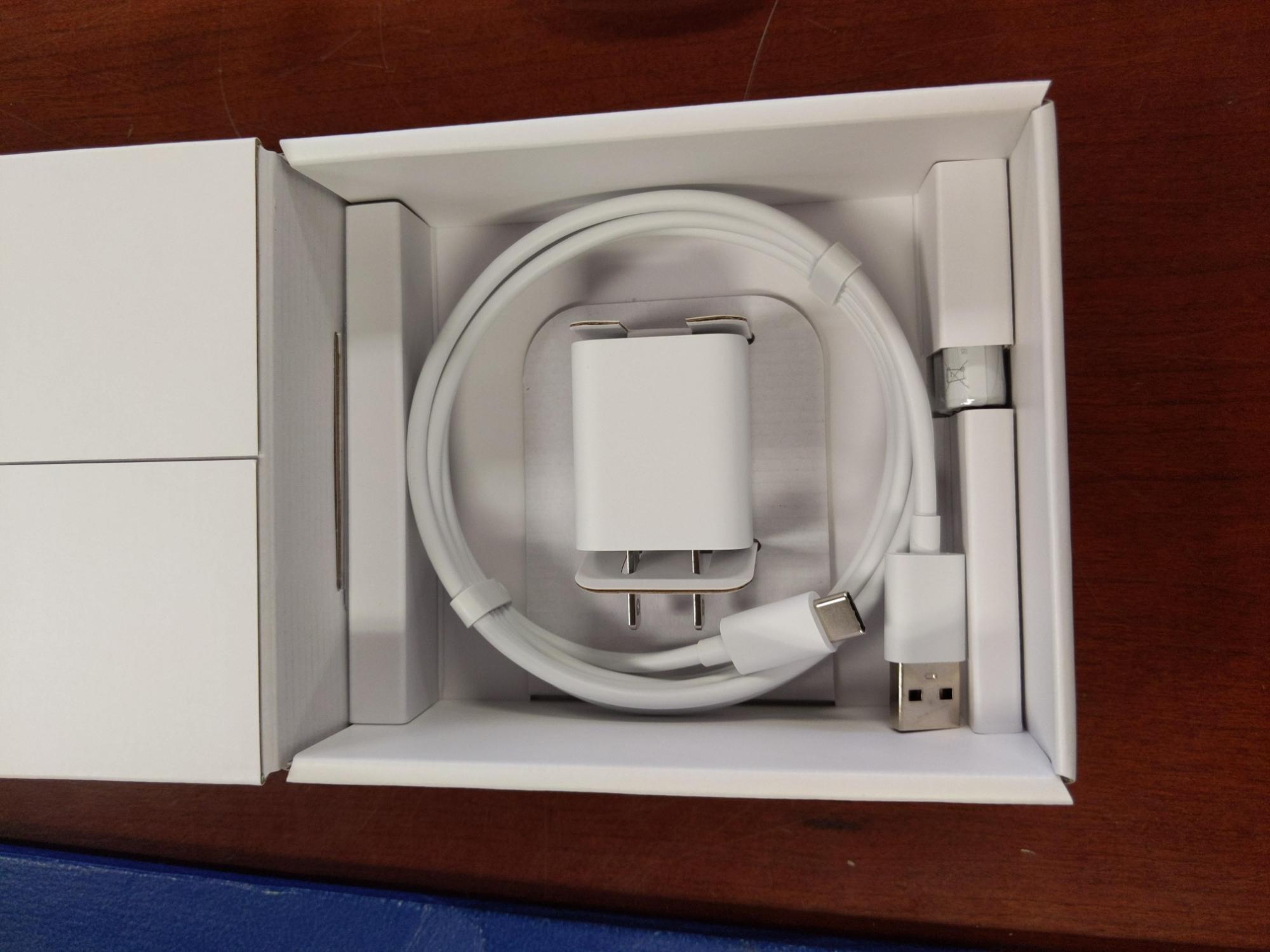 Nest Audio e Google Chromecast with Google TV escono dalle rispettive confezioni