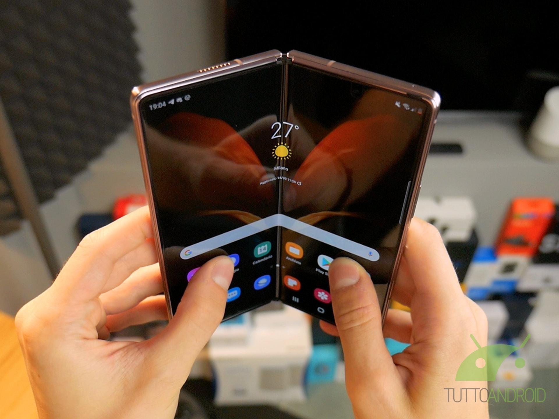 Android 11 con One UI 3 0 per Samsung Galaxy Z Fold2 e tanti altri aggiornamenti