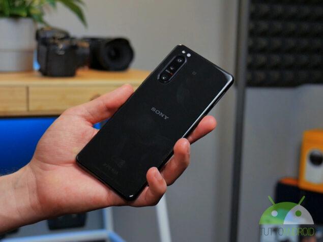 Sony aggiornerà solo 5 smartphone ad An …