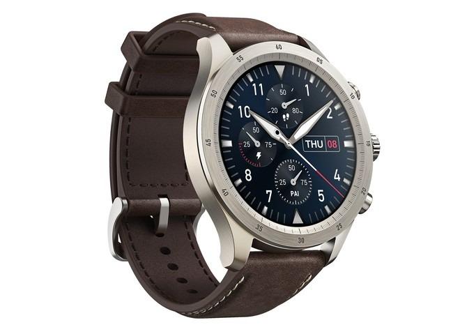 Zepp Z è uno smartwatch premium con misurazione Sp02, già disponibile in Italia
