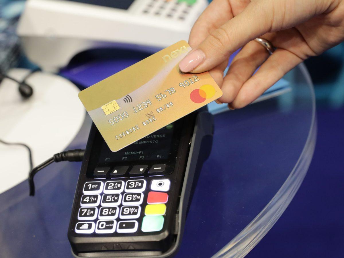 Dal 2021 zero commissioni per pagamenti con Bancomat sotto i 5 euro