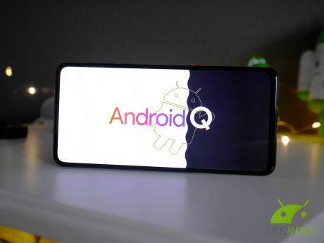 Android q logo copertina