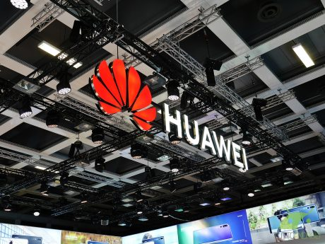 La prima Smart TV di Huawei è ormai bella e pronta: due mode