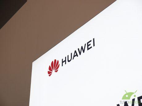 Huawei Mate 20 Pro: ricarica wireless delle Freebuds Pro, nu