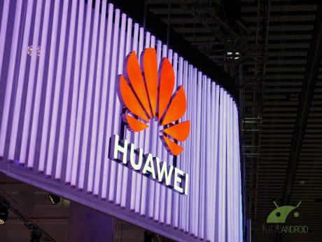 Google sospende la collaborazione con Huawei, a rischio l'ac