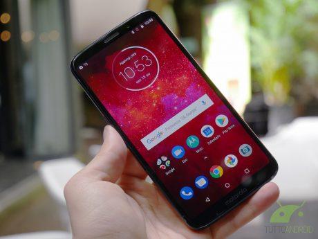 Motorola Moto Z3 Play da fine giugno in Italia con Battery Moto Mod