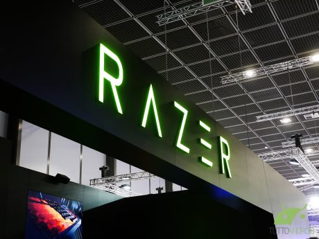 Razer Phone 2 compare su Google Play Console
