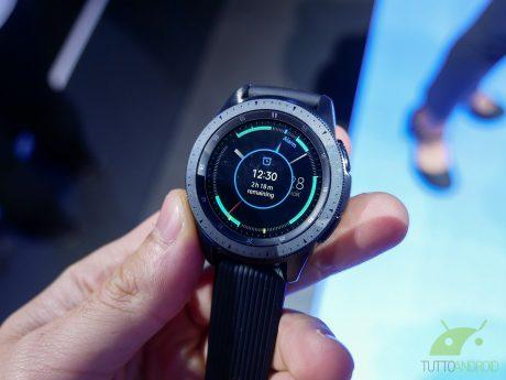 Samsung Galaxy Watch si aggiorna con novità per gli appassio