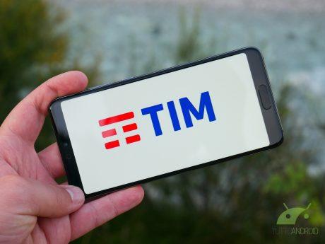 TIM regala 10 euro di credito ricaricando online, ma solo fi
