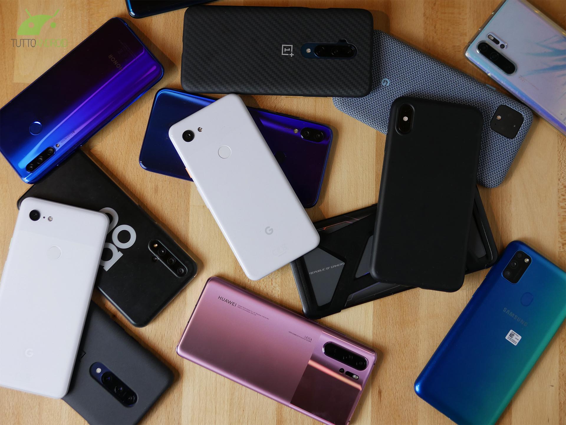 Disinfettare lo smartphone è una buona abitudine, ma non è u