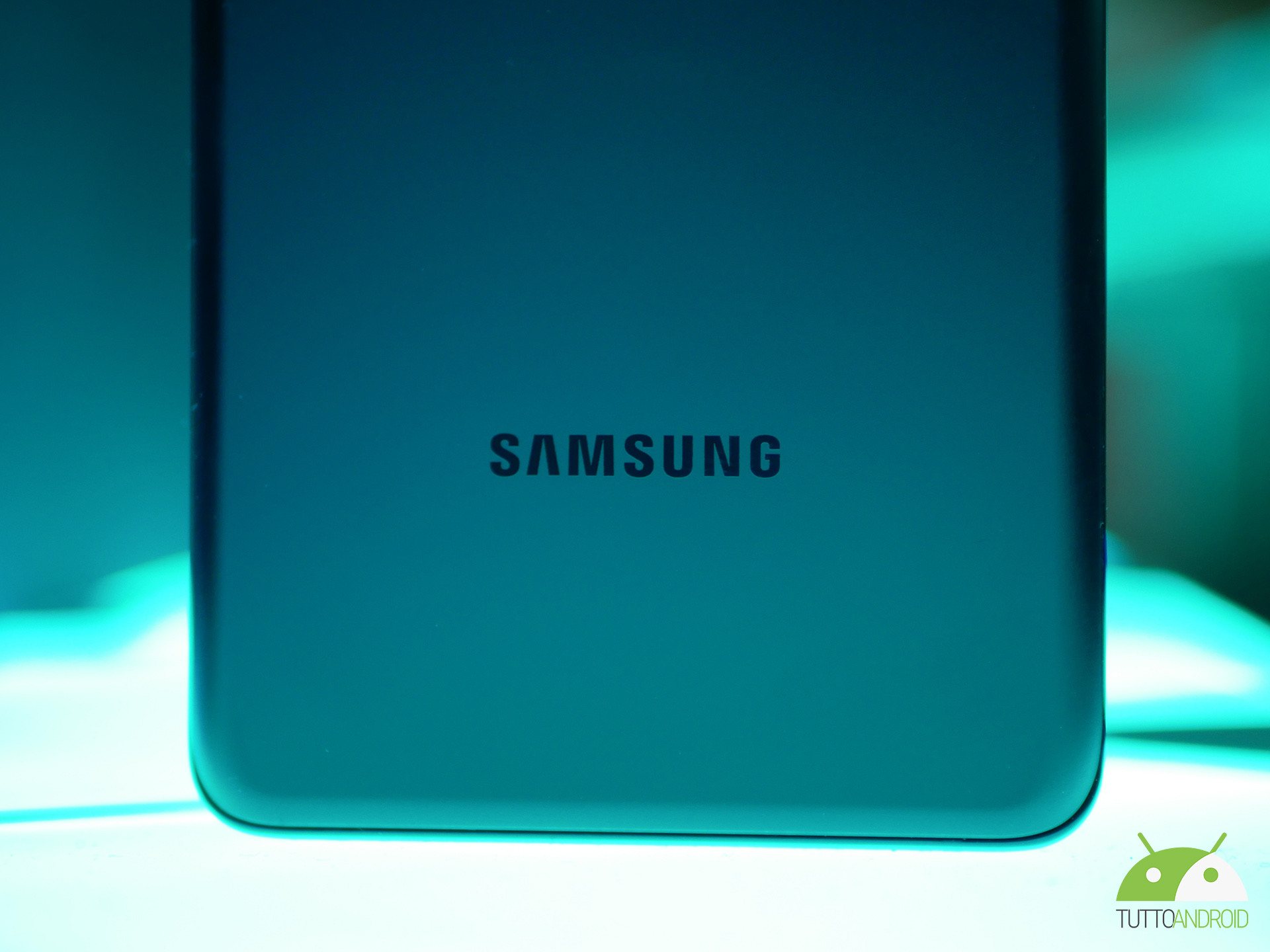 Samsung Galaxy S21 FE 5G si mostra nelle …