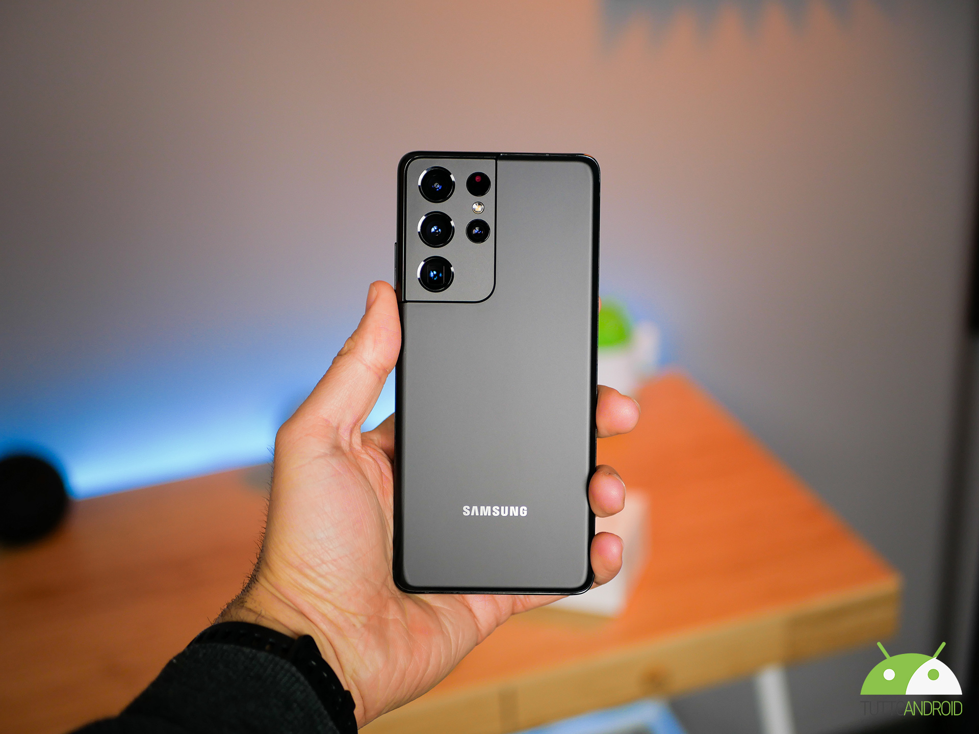 Ci sono tantissimi smartphone, anche top, di Samsung in sconto: ecco le migliori offerte