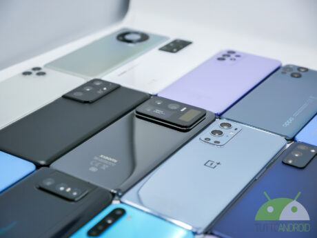 Tanti smartphone android