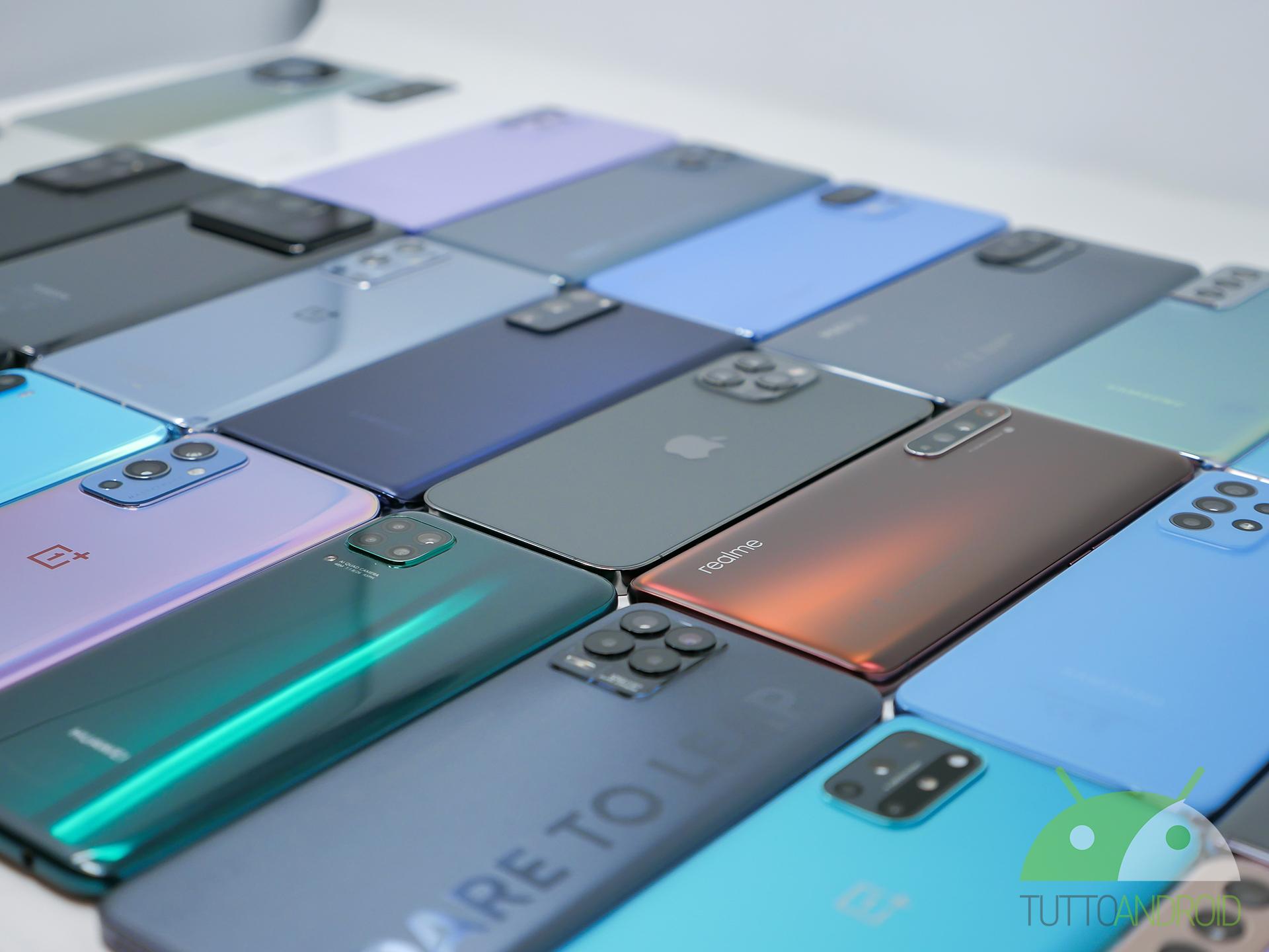 Aggiornamenti per Samsung Galaxy Z Flip, Fold, un Realme e un mucchio di Redmi